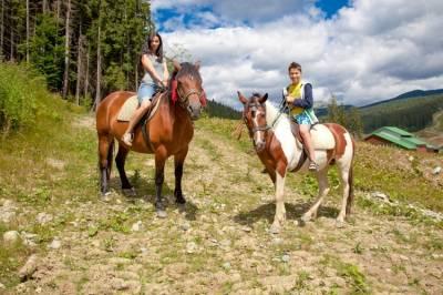 Прогулки на лошадях в Карпатах